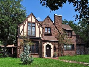 external image Tudor-revival-home-in-Bryan-Texas1.jpg